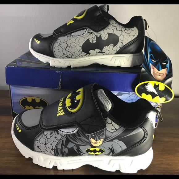 6fef13ad1dce12 🌟DC Comics🌟 Batman Boys Light up Sneakers Sz 12